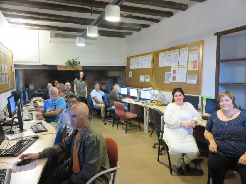 Formació transversal treballadors/es plans ocupació